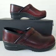 Sanita Bordeaux Red Closed Leather Clogs Size 38/ 7