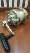 Avet Pro Ex 4/02 Two Speed Gold Color Trolling Fishing Reel 80 Braid 80 Top Shot