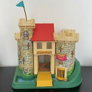 Vintage 1974 Fisher Price Little People 993 Play Family Castle Castle Carriage