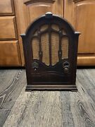 Old Antique 1930s Rca Victor Wooden Cathedral Type Tube Radio Unknown Model.
