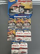 Hot Wheels Snap On Service Station Plus 10 Cars Total