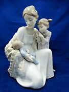 Lladro 'welcome To The Family' 6939 - Baby Boy, Sister And Mother W/box