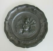 Medieval Knight In Armor With Weapons Heavy Metal Round Wall Hanging Plaque