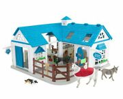 New Breyer Deluxe Animal Hospital With 6 Animal Models + Vet Accessories