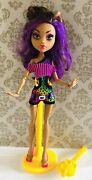 Monster High Gloom Beach Clawdeen Wolf Doll With Stand Rare