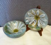 Michael And Frances Higgins Glass - Set 4 Fused Art Glass White Daisy Floral Bowls