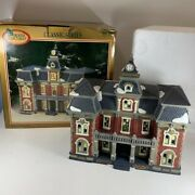 Vtg Dickens Collectables 1998 Towne Hall Classic Series Hand Painted Lighted