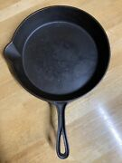 Bottom Gate Marked Footed Cast Iron Fancy Handle Raised 9 Skillet