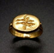 Antique 18/22ct Yellow Gold Signet Ring - Flying Birds - C.1880