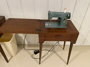 Vintage Singer Sewing Machine Cat. Bzk 60-8 With Wood Cabinet