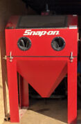Snap On Sandblasting Booth With Vac Recovery Gun And Hose Snapon 3500 W/tax
