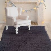 Linon New Flokati Hand Woven Wool 5and039x8and039 Rug In Gray