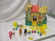Fisher Price Little People 993 A Castle Dragon Play Family King Queen Knight
