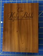 Memorial Edition Holy Bible Illustrated In Wooden Cedar Box 7 3/4 X 5 1/2