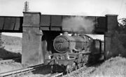 Photo Gwr 4-6-0 Loco No. 7034 Ince Castle On Goring Water-troughs