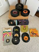 Records - 45 Vinyl Record -- Elvis Presley, Oldies And 70's. 134 In Total.