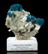 Large Canvasite And Stilbite - Fine Mineral Specimen From Wagholi Quarry, India