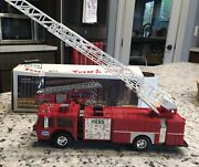 Hess Oil Company 1985 Toy Fire Truck Bank New In Box Very Rare