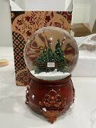 Taylor Swift Christmas Tree Farm Snow Globe Limited In Hand Sold Out