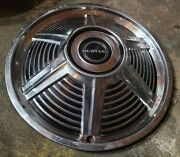 1x Vintage Oem 1965 Ford Mustang 14 Standard Hubcap Wheel Cover 0a C5zz-1130-j