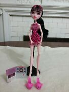 Monster High Draculaura Dead Tired Doll N Shoes No/ Stand