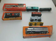 Ho Train Set Lionel Tyco Engine, Varney Engine And Cars See Photos