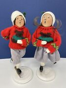 Byers Choice Talbots Knitted Bear Sweater Boy And Girl Ice Skating 93 The Carolers