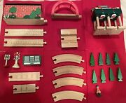 Lot Of Thomas And Friends, Brio, Lionel Model Trains Wooden Railway 24 Pieces