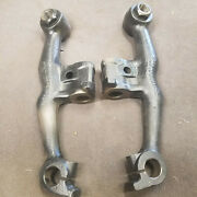 1953-1954 Chevrolet Pair Of Spindle Supports 3703785 / 3703786