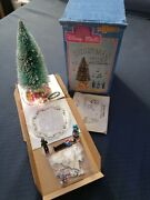 Disney Magic Disney World Town Square Lighted Christmas Tree With Carollers Nos