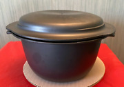 Tupperware Ultra Pro Oval Oven Safe 3qt Round Microwave Safe And Lid Displayed New