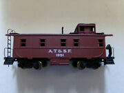 Atchison Topeka Santa Fe A.t. And S.f. Caboose 1951 5343 S.f. Ahm Ho Gauge Scale