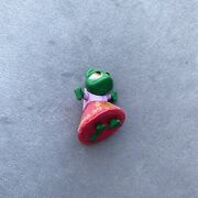 Disney Store Animator Littles Tangled Pascal In A Dress Cake Topper/toy Figure