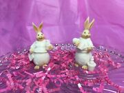 2 Bunny Rabbits Resin Figures Darling And Fabulous Detail Garden Decor Flowers 🌸