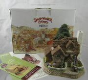 David Winter Cottages Mistletoe Cottage New Boxed And Certificate Guild 1998
