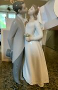 Lladro Figurine - A Kiss To Remember