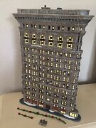 Department 56 Rare Christmas In The City Flatiron Building 56.59260