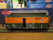 Atlas O 0513-2 Great Northern 40and039 Sliding Door Box Car 39421 In 3-rail