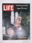 Life Magazine, April 19, 1968, Mrs. Martin Luther King At The Funeral On Cover