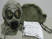 Us M17 A2 Gas Mask Msa W/ New Filters Hood And Nylon Carry Bag 1984 Size Small