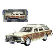 1979 Chrysler Lebaron Town Andampamp Country Cream 1/24 Diecast Model Car By ...