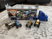 Monster Jam Official 2-in-1 Transforming Hauler Playset With 4 Trucks