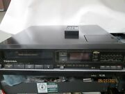 Vintage Toshiba V-m422 Betamax Player Recorder With Remote Control.