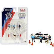 Metropolitan Police 8 Piece Diecast Set 3 Figurines And 1 Dog And 4 Accessor...