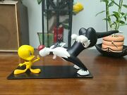Extremely Rare Looney Tunes Tweety Stopping Sylvester Demons Merveilles Statue