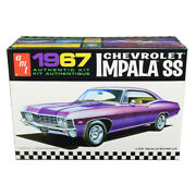 Skill 2 Model Kit 1967 Chevrolet Impala Ss 1/25 Scale Model By Amt Amt981m