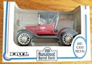 Ertl Ford 1918 Runabout True Value Barrell Bank 125 Scale Die Cast
