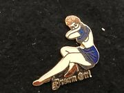 A Pins Pin Femme Sexy Pin-up Nose Art Aviation Ww2 Dream Girl Version Email