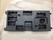 Land Rover Oem 17-18 Discovery 3.0l-v6 Fuse Relay-junction Block Lr110262
