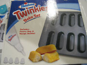 Hostess Twinkies Bake Setpan With Pastry Bag And Instructionslbdk5